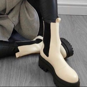✨H&M✨High Profile Chelsea Boots